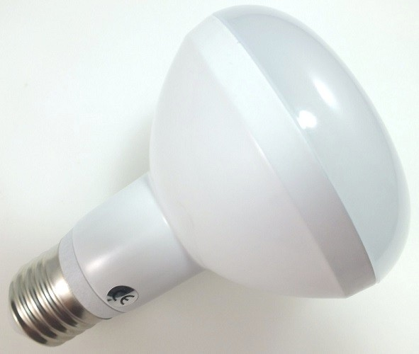 9 Watt LED-Lampe in Spotform, E27 - R80, Lichtfarbe warmweiß 2700 K - 120° Ausstrahlung